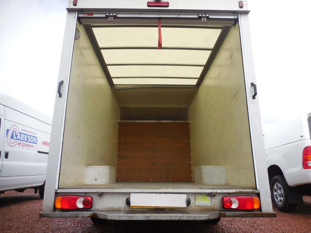 Vauxhall Movano Lo-Loader box van internal space